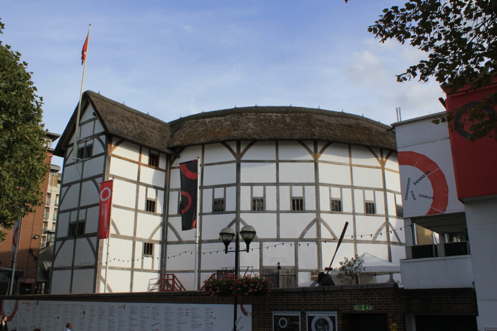 The Globe Theatre, Tours of the UK